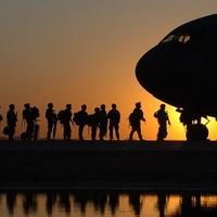 Nackte Soldaten